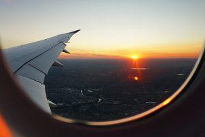 nyugodt utazás hallókészülékkel
