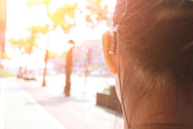 5 gyakori hallókészülék probléma, ami előfordulhat a hétköznapokban